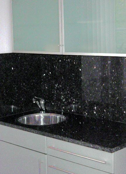 Granietshop voor uw keuken werkblad van graniet granietenwerkbladen voor de scherste prijs - Werkblad graniet prijzen keuken ...