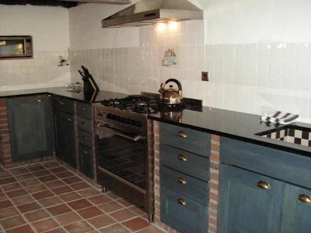 Granietshop voor uw keuken werkblad van graniet composiet en silestone - Keuken met granieten werkblad ...